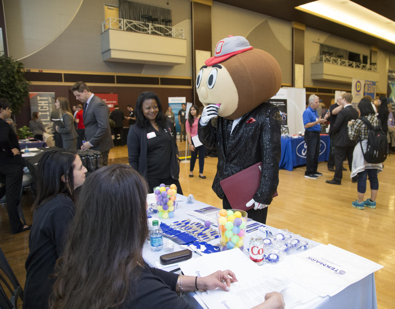 Brutus meeting employers at the Career & Internship Fair